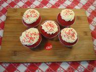 5 Red Velvet Cupcakes