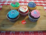 3 LACTA and 2 Red Velvet Cupcakes