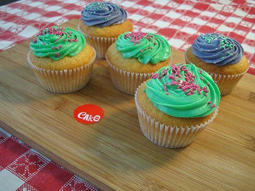 5 Vanilla Cupcakes